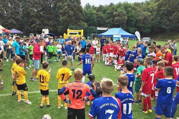 Sobotňajšia akcia v Jelenci potešila malých futbalistov, ako aj rodičov a trénerov.