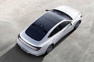 Ako prvý Hyundai bude mať solárnu strechu Sonata Hybrid.