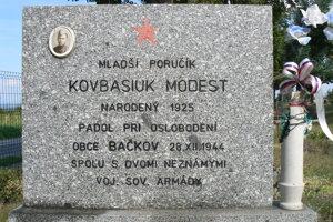 Pamätná tabuľa v Bačkove.