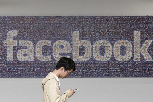 Vedecký výskum Facebooku vyvolal vlnu kritiky. Sociálne siete však skúmajú aj vládne agentúry.