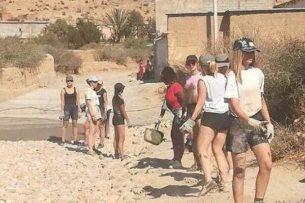 Mladé Belgičanky neboli na brigáde v Maroku oblečené podľa pravidiel islamu.