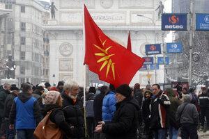 Viacerí obyvatelia Severného Macedónska protestovali aj bezprostredne po zmene názvu.