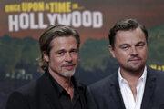 Brad Pitt (vľavo) a Leonardo DiCaprio.