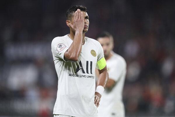 Thiago Silva reaguje na prehru svojho tímu. PSG podľaho Stade Rennes.