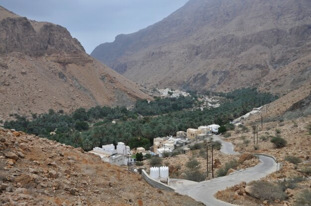Wadi Tiwi a nádherné oázy