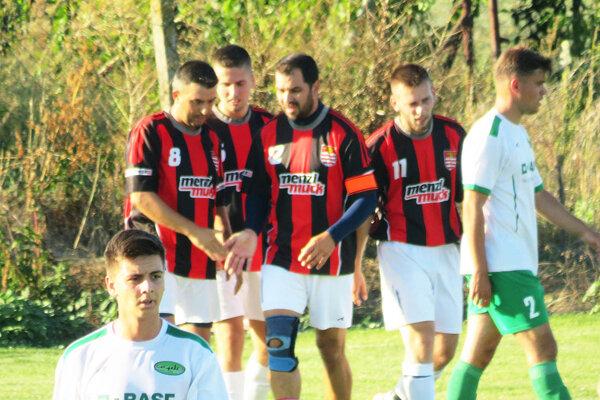 Futbalisti Hosťovej vyhrali aj tretí zápas v tejto sezóne, v nedeľu porazili Čechynce.