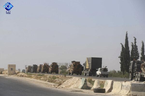 Turecký konvoj v Sýrii mali zasiahnuť nálety, hlásia tri obete