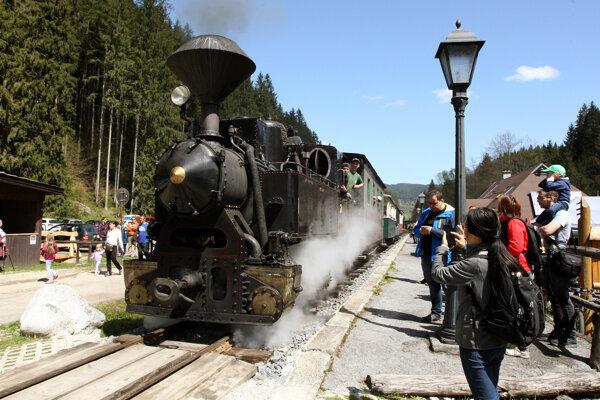Čiernohronská železnica je predovšetkým historickou a turistickou železnicou, stoja však pred ňou veľké výzvy.