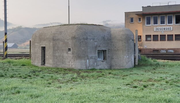 Bunker, v ktorom vzniká malé múzeum.