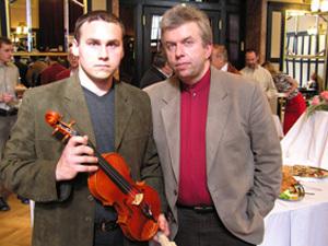 Branislav Kováčik s českým husľovým virtuózom Jaroslavom Svěceným.