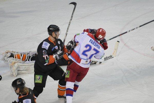 Druhý gól domácich strelil skúsený Denis Paršin.