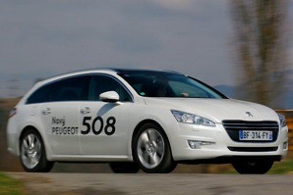 Dokonalá symbióza praktickosti a dizajnu. Peugeot 508 SW zaujme priestorom a pohodlím sedenia.