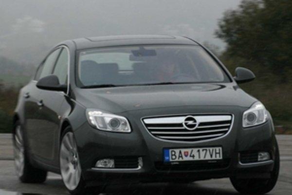 Po teste Insignie je jasné, prečo Opel zmenil názov modelu. Toto auto je dosť dobré na to, aby nosilo meno Vectra.