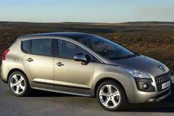 Karoséria má dopredu vysunuté čelné sklo, presklenú strechu s plochou 1,6 m2, nízko vykrojené bočné okná a dolné výklopné dvere batožinového priestoru v štýle niektorých SUV.