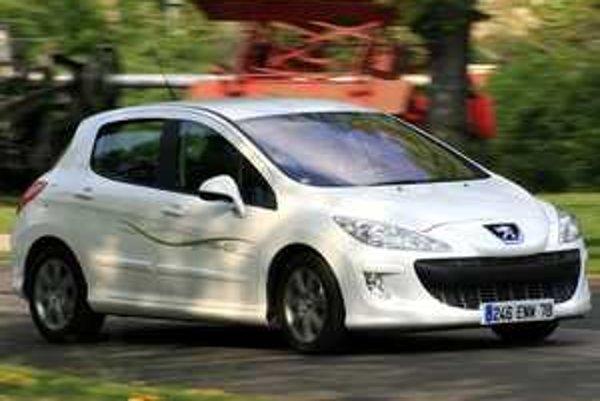 Druhá generácia Hybrid HDi inštalovaná do modelu 308 má v porovnaní s kabrioletom o tretinu menej špeciálnych dielov hybridnej sústavy.