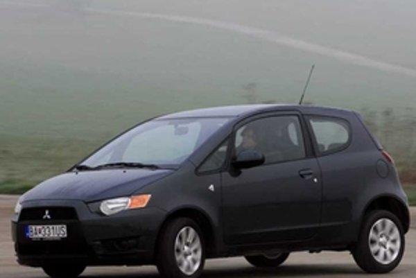 Colt je obratné auto do mesta a tichý spoločník na diaľnici. Ponúka jeden z najlepších motorov  v danej triede.