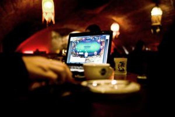 O cenzúru hazardu na webe sa pokúsilo aj Taliansko, napokon ho povolilo.
