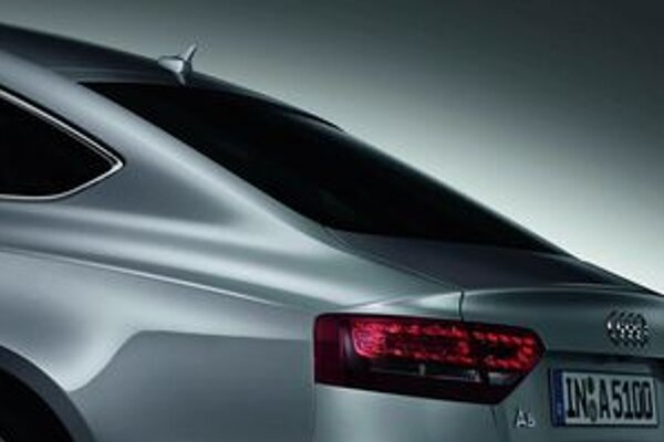 Audi v predstihu ukázalo skicu novinky a detail zadného stĺpika.
