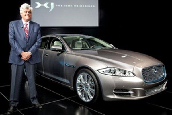 Jaguar XJ  zostáva spredu  verný proporciám značky s nádychom limuzín Volvo. Odvážnu hru s priazňou zákazníkov rozpútala zadná časť auta.