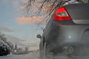 V zime nemusíte úplne zohriať motor na jednom mieste. Stačí ho počas jazdy nevytáčať a šetriť.
