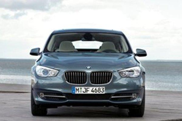 Ako prvý z novej generácie modelového radu 5 uzrel svetlo sveta liftback BMW 5 Gran Turismo.