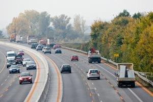Trojprúdová diaľnica je bezpečná, ak sa pokazí auto, to však neplatí.