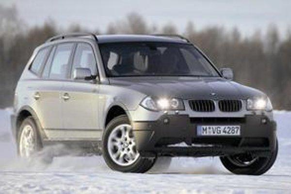Do vývoja a výroby luxusných SUV sa pustili aj automobilky BMW a AUDI, ktoré sa dovtedy špecializovali iba na osobné a športové automobily.