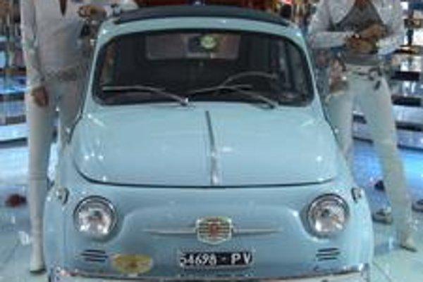 Starý Fiat 500 bol hitom 50. rokov. Po 18 rokoch sa prestal vyrábať v roku 1978. Celkovo sa predalo 3,6 milióna áut tohto modelu