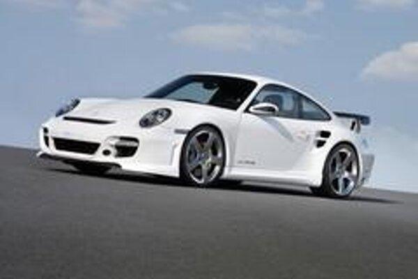 Posledne upravené Porsche 997 Turbo dostalo k 3,6 litrovému preplňovanému motoru špeciálny kit s názvom Le Mans.