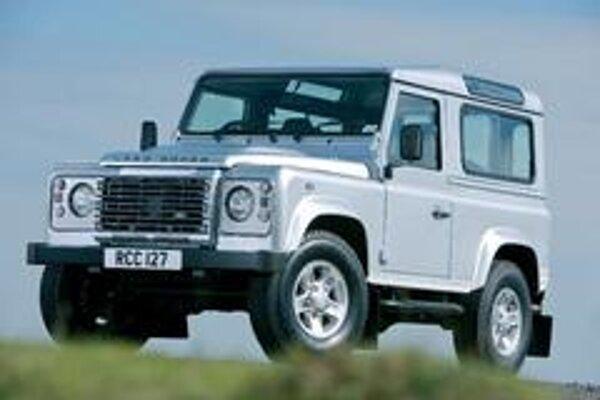 Legendárny terénny automobil sa napohľad skoro nezmenil. Pribudla iba vypuklá predná kapota, komfortnejší interiér a nový motor s prevodovkou.