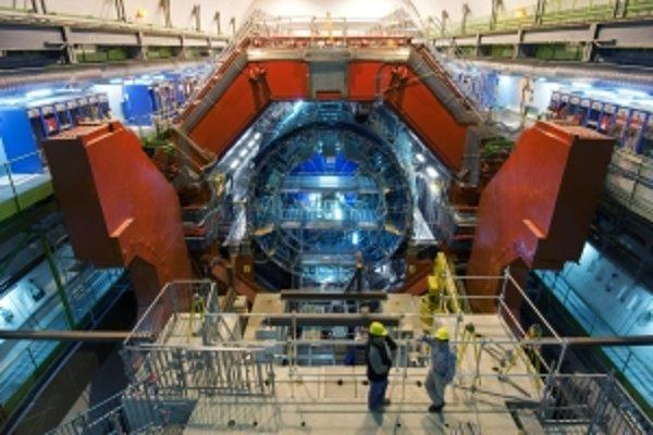 Detektor ALICE vo Veľkom hadrónovom urýchľovači.