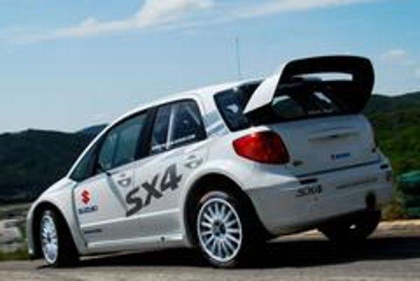 Posledné testy Suzuki SX4 WRC na asfalte pred rely Korzika.