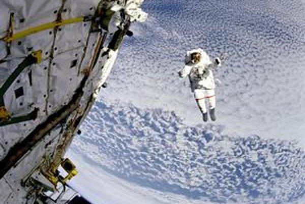Viac ako 45 rokov už ľudia vystupujú do otvoreného vesmíru. Naposledy sa tak stalo včera na Medzinárodnej vesmírnej stanici ISS.