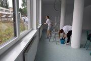 Budovu Starej jedálne rekonštruujú dobrovoľníci aj profesionáli.