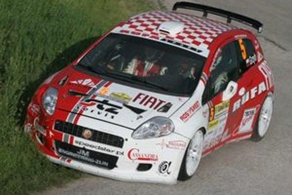 Z pomerne pohodlného absolútneho triumfu i prvenstva v triede N4 sa tešil Grzegorz Grzyb, majster Slovenska zo sezóny 2006.