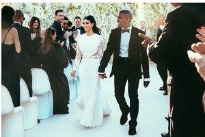 V roku 2014 sa zosobášil prominentný pár Kim Kardashian a Kanye West. Nevesta mala na sebe Haute Couture róbu od Riccarda Tisciho.