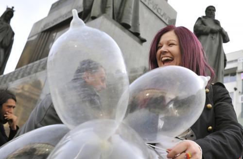 kondom-pre-papeza_tasrap.jpg