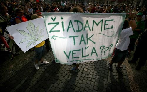 pochod_za_marihuanu.5.sme.jpg