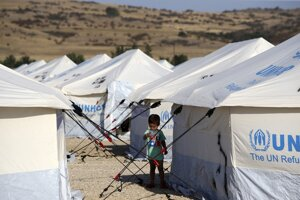 Grécky premiér chce, aby krajiny únie prevzali aspoň neplnoletých migrantov.