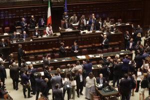 Vláda Giuseppeho Conteho získala dôveru dolnej komory talianskeho parlamentu.