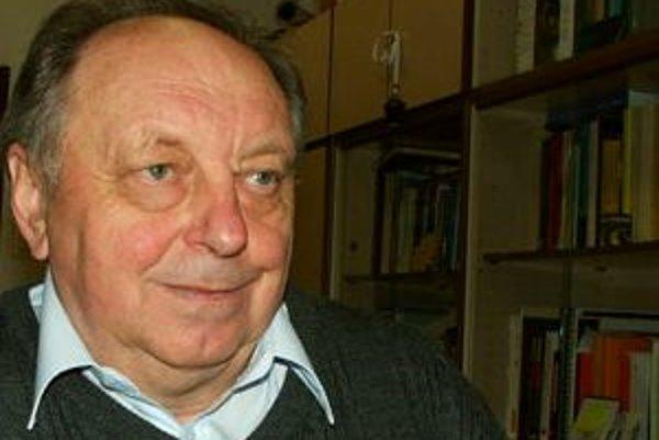 Narodil sa v roku 1942. Je rodákom zo Spišských Hanušoviec. Pracuje ako vedúci vedecký pracovník Astronomického ústavu Slovenskej akadémie vied v Tatranskej Lomnici, je veľkým popularizátorom astronómie. Primárne sa venuje skúmaniu slnečnej koróny na stan