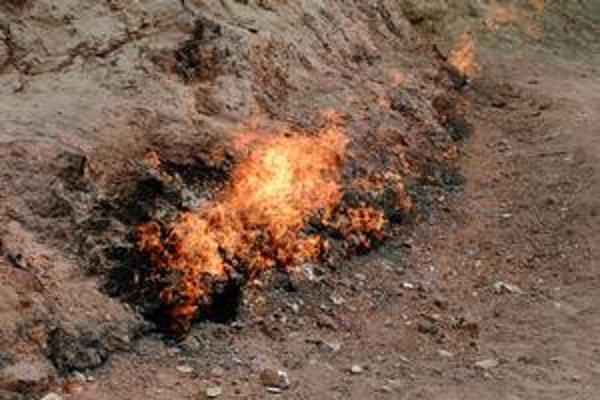 Uhľovodíkový prieduch - janardagský večný oheň v Azerbajdžane.