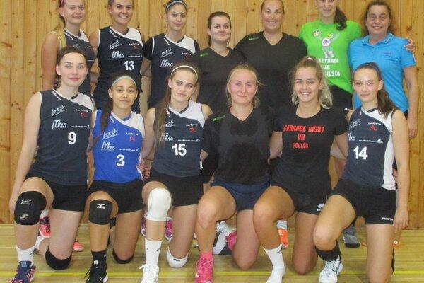 Na turnaji triumfovala Iskra Hnúšťa.