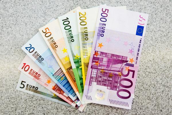 euro_r8066.jpg