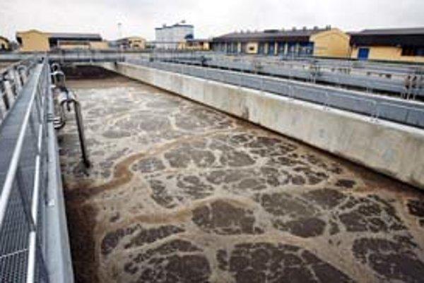 Súčasťou klasických čističiek vody (na snímke čistička v Poprade-Matejovciach) sa možno stanú baktérie, ktoré vedia zneškodňovať nebezpečné kovy.