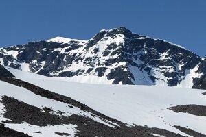 Pohľad na horu Kebnekaise z údolia Tarfala.