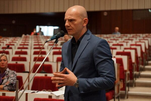 Podľa šéfa Kositu Christenka firma nemôže zverejniť detaily mimosúdnej dohody.