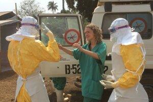 Epidémia eboly vypukla v západnej Afrike na konci marca. V prvých fázach zásahu Lekárov bez hraníc bolo prioritou vyhľadať a izolovať nakazených.