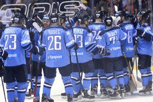 Hráči Slovana oslavujú víťazstvo v predohrávke 1. kola Tipsport ligy 2019/2020 HC Košice – HC Slovan Bratislava.