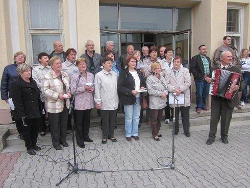spevacky-zbor-juraja-holceka_r6323_res.jpg